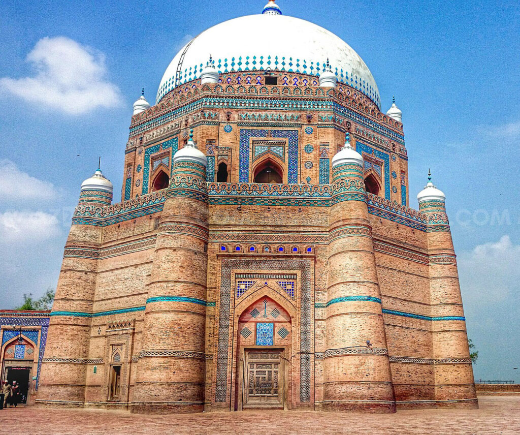 Tomb of Shah Rukh-i-Alam at Multan, built bu Ghiyas-ud-din originally for himself (Pic from Wikipedia)