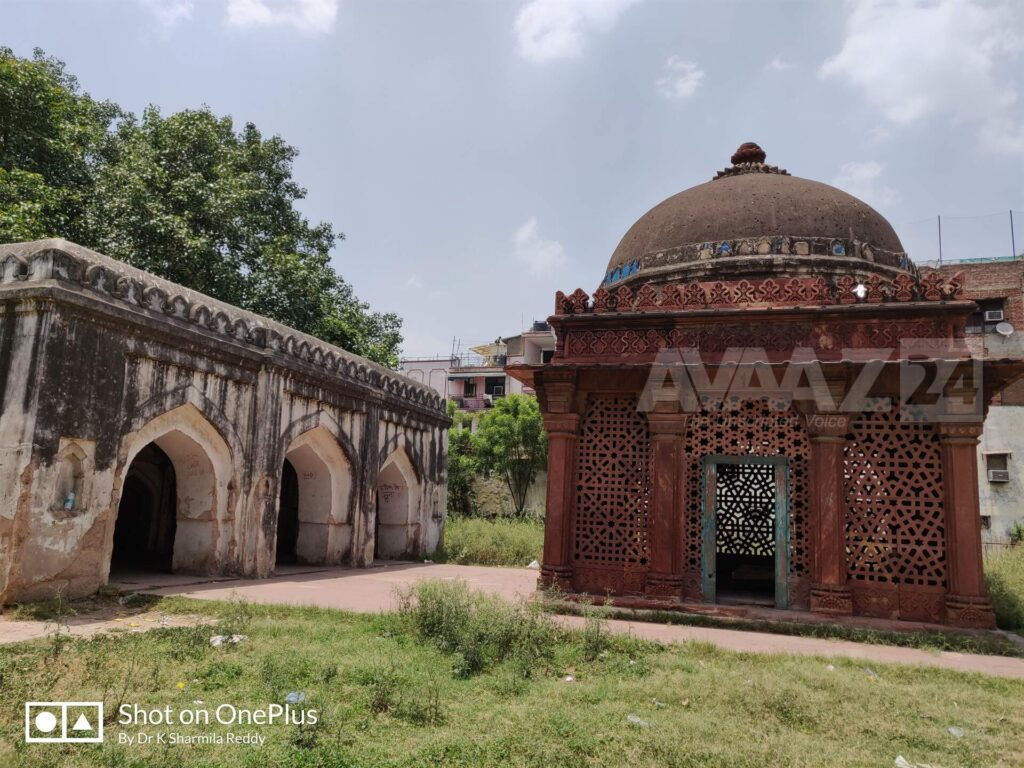 Tomb of Yusuf Qattal - died in the year 1527- near to Satpula