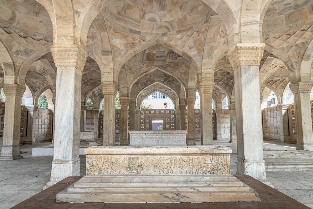 Reverse domes and Tomb of Mirza Aziz Kokaltash