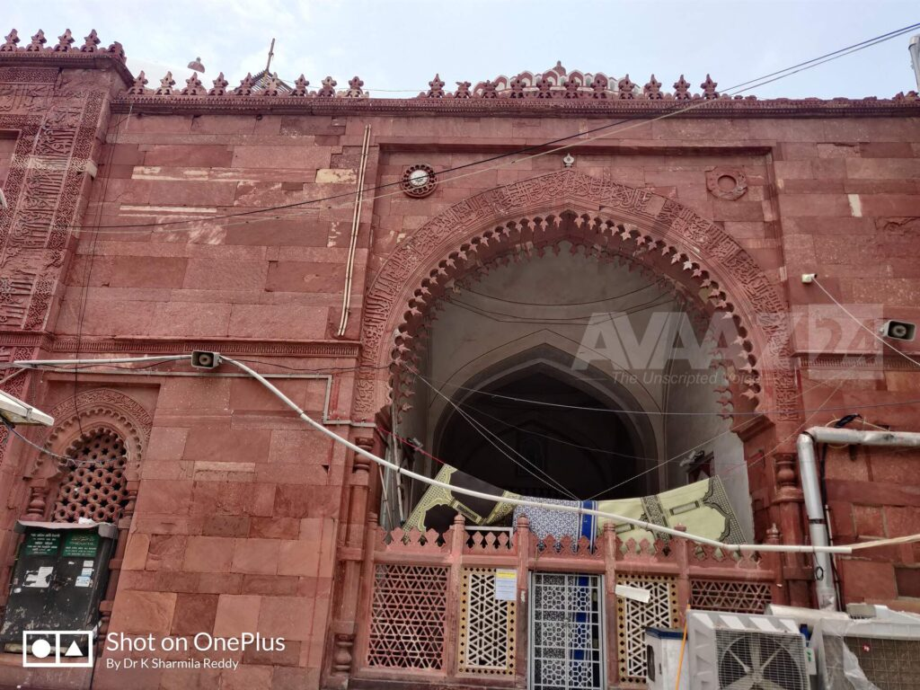 Red Sandstone- Jamat Khana Mosque